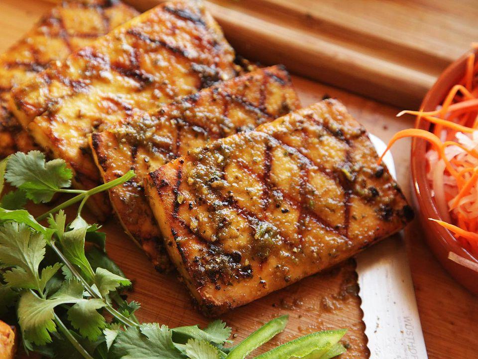 20150216-grilled-tofu-banh-mi-recipe-vegan-09.jpg