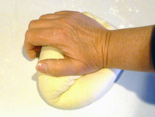 20110125-protips-kneading-by-hand-primaryf.jpg