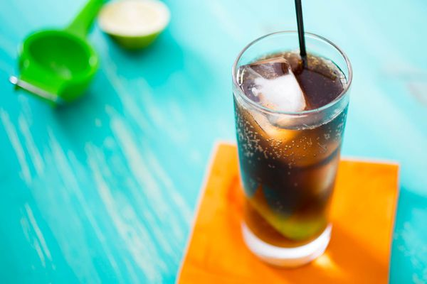 20150622-3-ingredient-cocktail-cuba-libre-vicky-wasik.jpg
