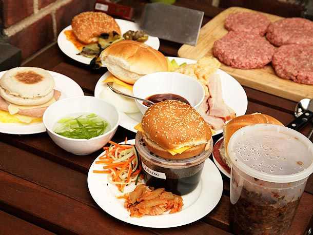 20120713-burger-topping-variations-01.jpg