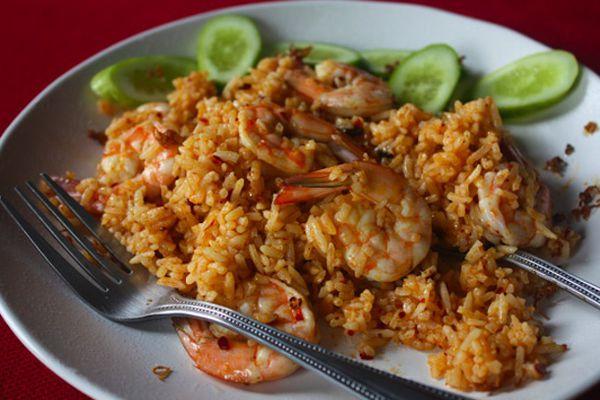 shrimp-fried-rice-with-nam-prik-pao-and-crispy-lemongrass-recipe.jpg