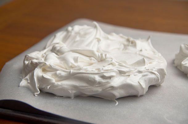 20130830-pavlova-meringue.jpg