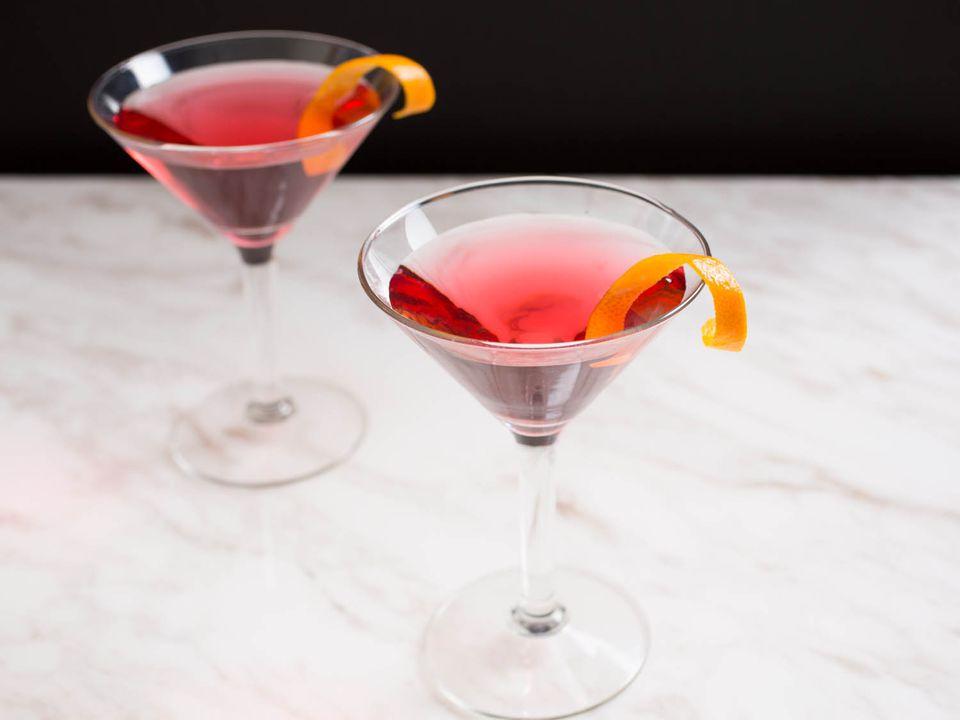 20150323-cocktails-vicky-wasik-cosmopolitan.jpg