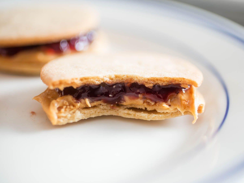 20160428-peanut-butter-cookies-vicky-wasik-11.jpg