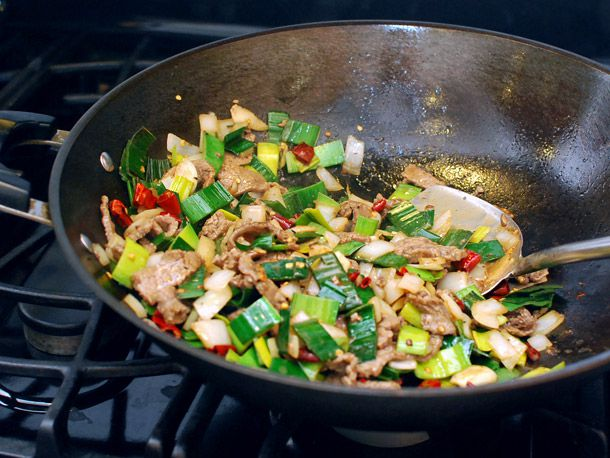 stir-fried beef with leeks and onion