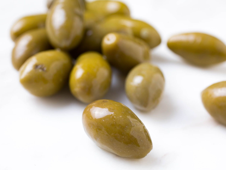 20140910-olives-vicky-wasik-6-picholine.jpg