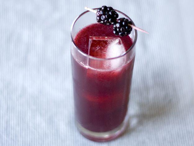 20140712-blackberry-gin-tonic-kelly-carambula.jpg