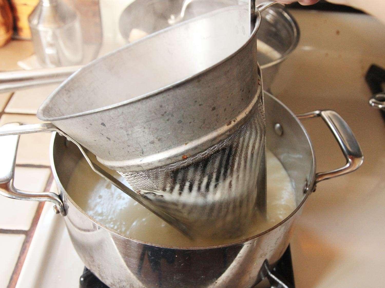 20150105-potato-leek-soup-recipe-05.jpg