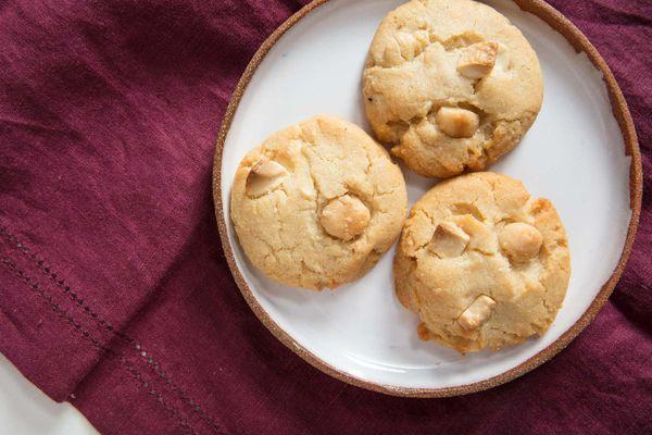 20180810-white-chocolate-macadamia-nut-cookies-vicky-wasik-13