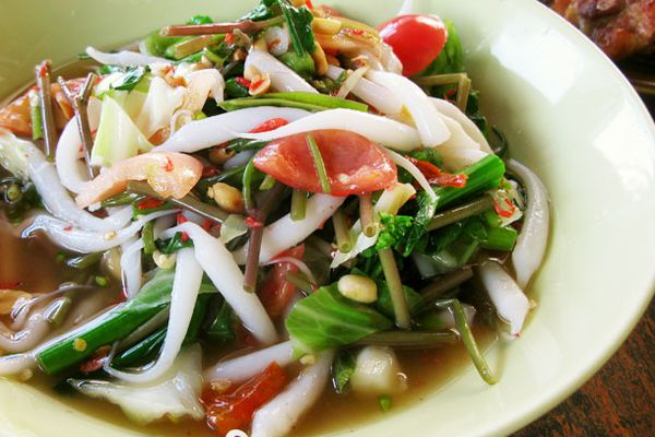 20130124-thailand-noodles-plated-edit-primary.jpg