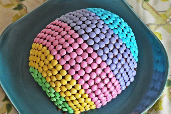 20130328-246162-easter-egg-cake.jpg