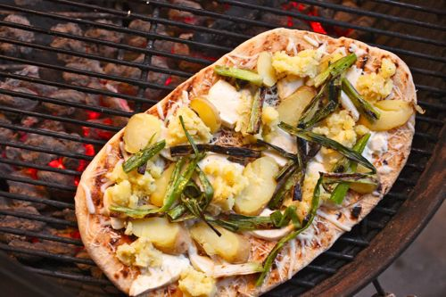 20110715-pizza-lab-toppings-grilled-pizza-12.jpeg