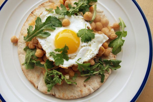 20140513-one-pot-wonders-harissa-chickpeas-fried-eggs.jpg