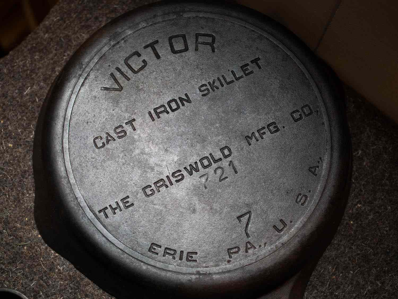 20141121-cast-iron-pan-restoration-daniel-gritzer-edit-29.jpg