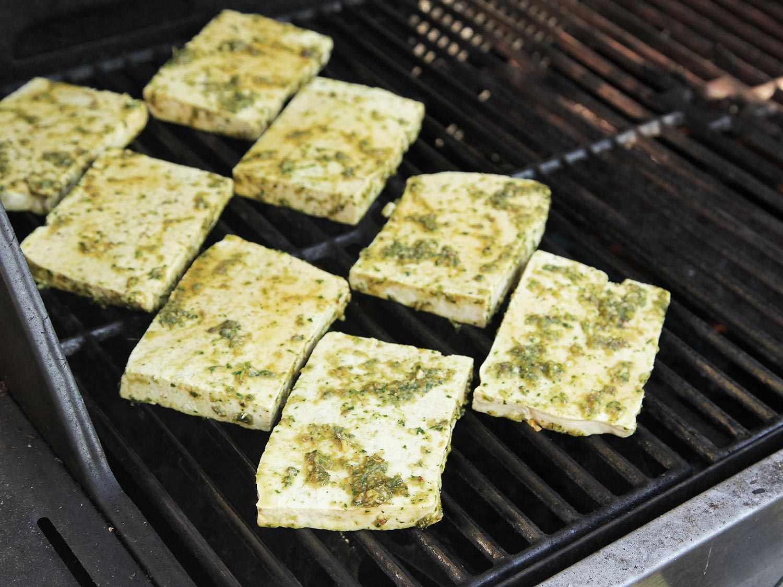 20150216-grilled-tofu-banh-mi-recipe-vegan-05.jpg