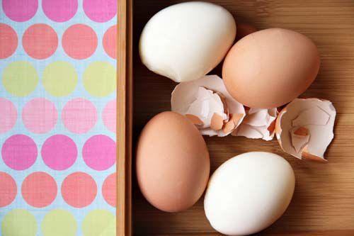 20120405-200477-hard-boiled-eggs.jpg