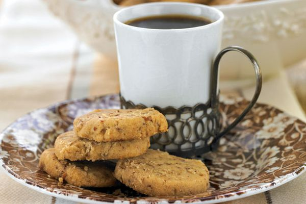 butter pecan shortbread and coffee