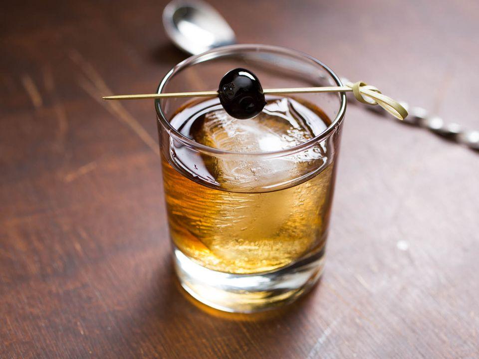 20160201-rye-cocktail-recipes-roundup-05.jpg