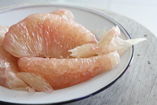 20130114-pomelo-shrimp-one-bite-salad-pomelo.jpg