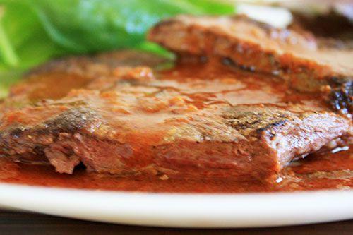20111018-nasty-bits-liver-red-chile-sauce.jpg