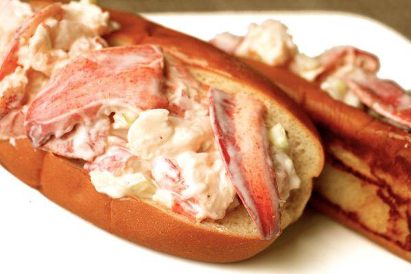 20110618-wicked-good-lobster-rolls-jkenjilopezalt-15.jpg