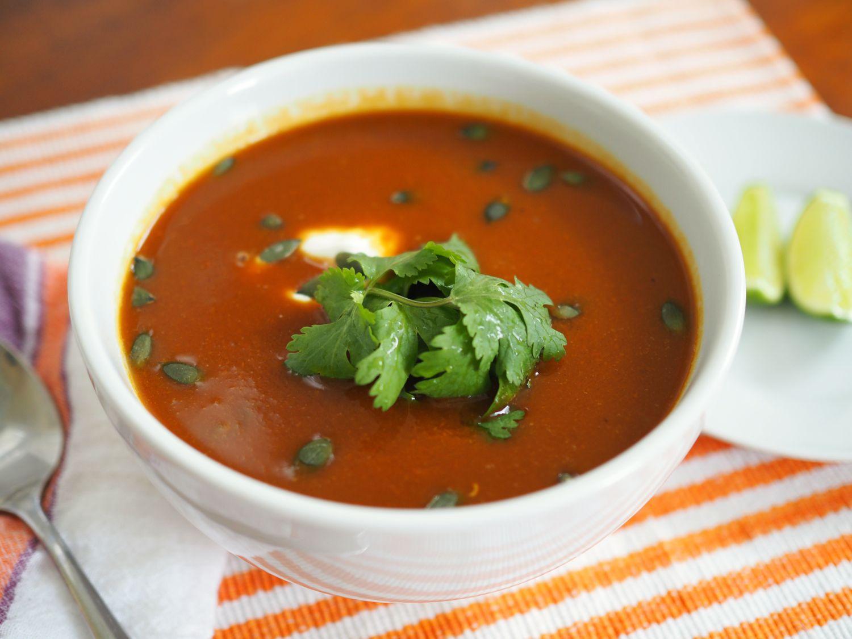 20151228-vegetarian-soup-recipes-roundup-04.jpg