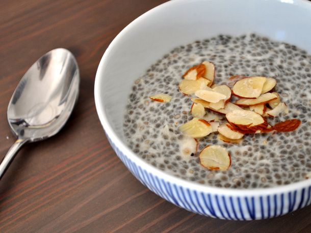 2014-wakeandbake-chia-seed-almond-pudding.JPG