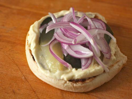 20110921-cheese-slices-burger-lab-17.jpg