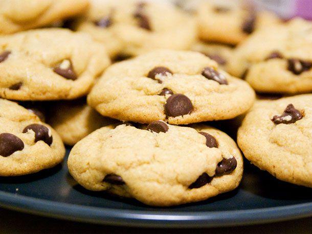 20111013-chocolate-chip-cookies-primary.jpg