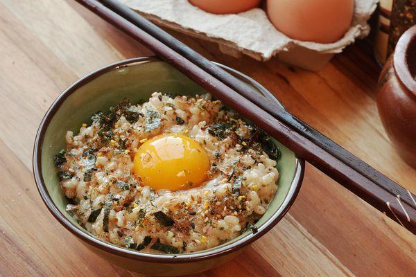 Tamago kake gohan (egg and rice) with furikake seasoning