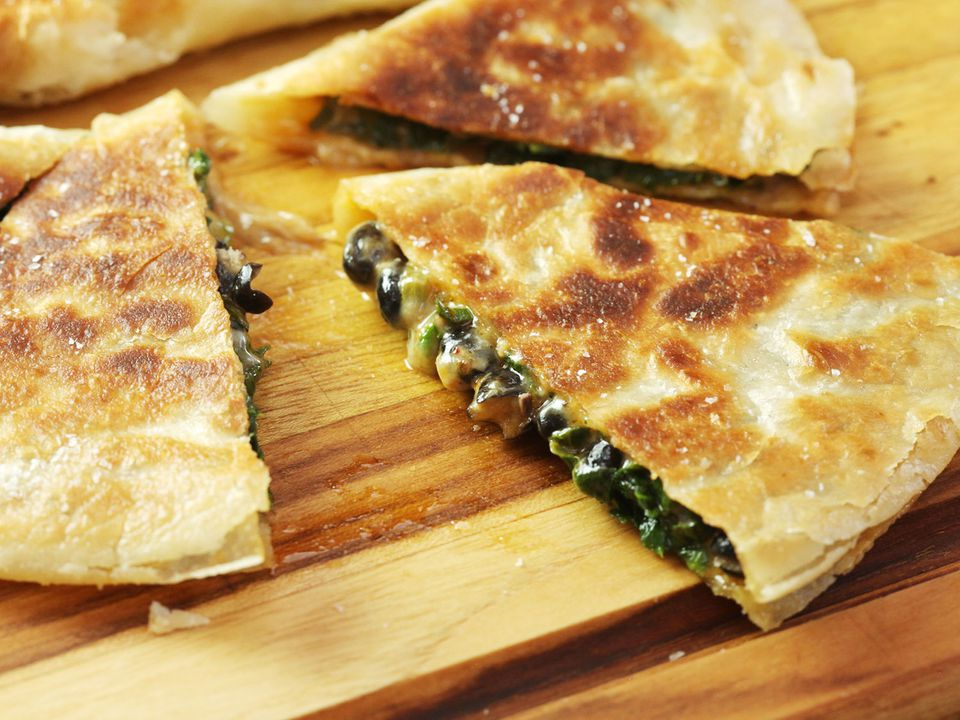 20170131-quesadillas-three-variations-a-4-spinach.jpg