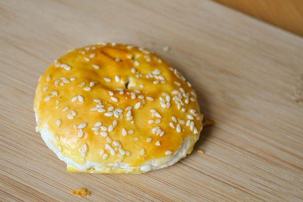 20141001-chinese-bakery-double-crispy-wife-cakes-thumb-610x408-400823.jpg