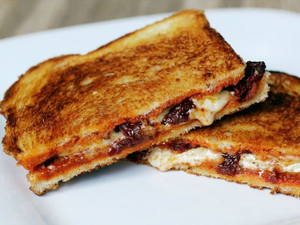 20130127-238521-sandwiched-grilled-cheese-sandwich-with-sun-dried-tomatoes-and-harissa-edit.jpg