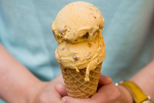20130711-apricot-almond-ice-cream.jpg