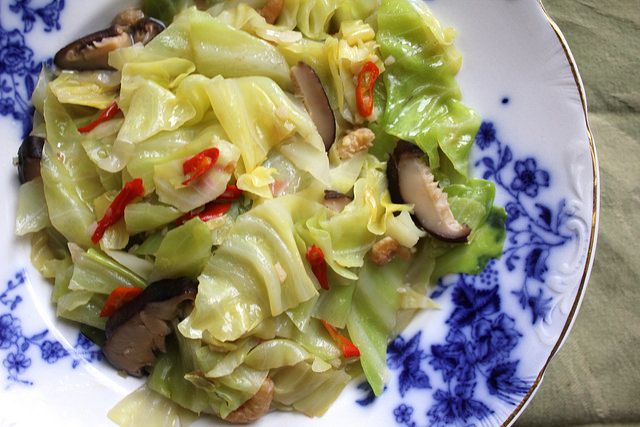 021014-taiwan-eats-braised-cabbage-finished.jpg
