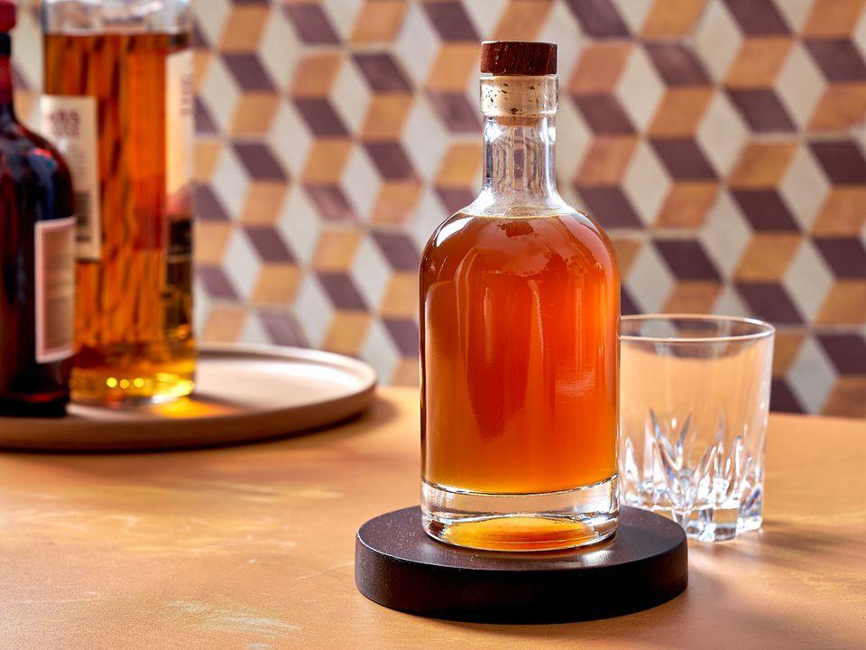 DIY ginger liqueur in a bottle