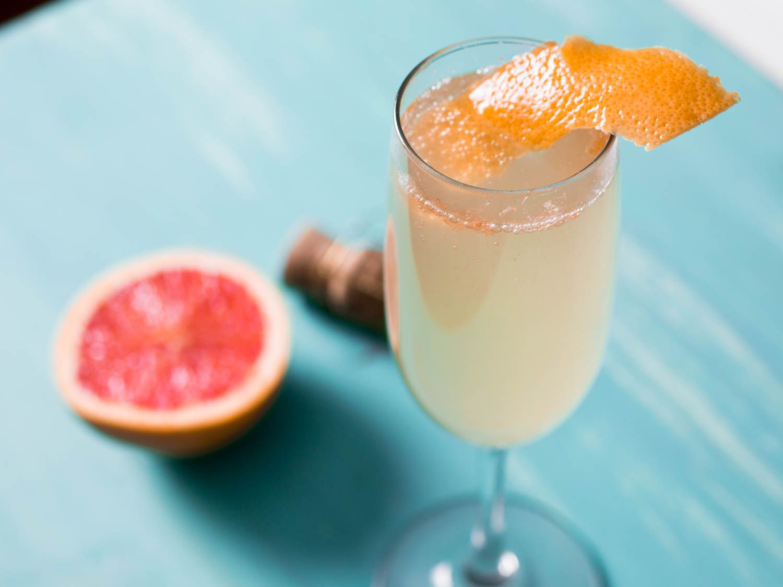 20150618-three-ingredient-cocktails-grapefruit-ginger-sparkler-vicky-wasik