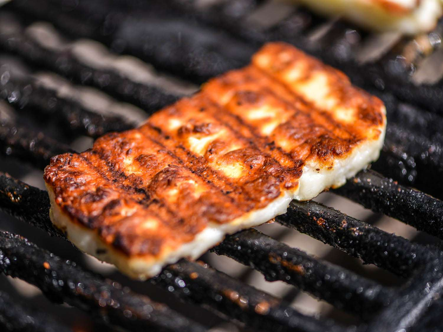 20140710-cheeses-you-can-grill-halloumi-grilled-joshua-bousel.jpg