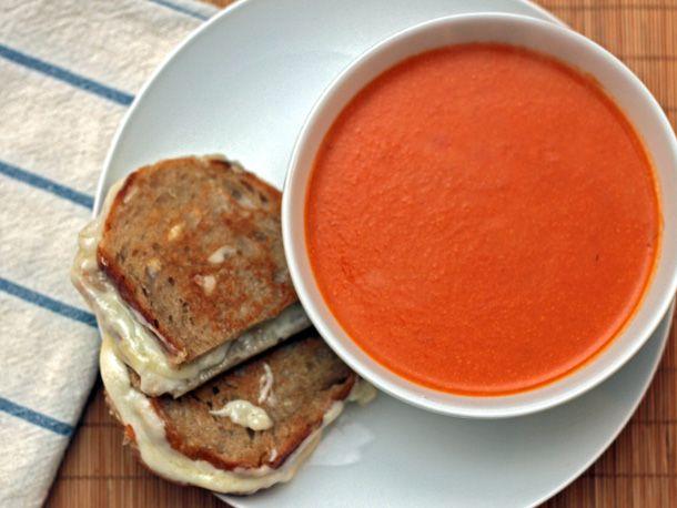 20111213-dt-tomato-apple-soup.jpg