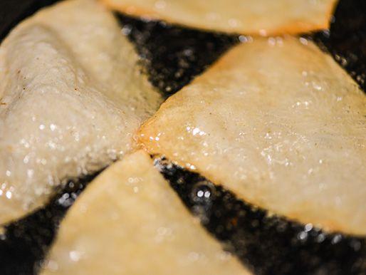 20140425-291070-texas-nachos-fry-first-side.jpg