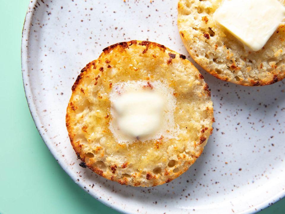 20200829-sourdough-english-muffins-vicky-wasik-1-2