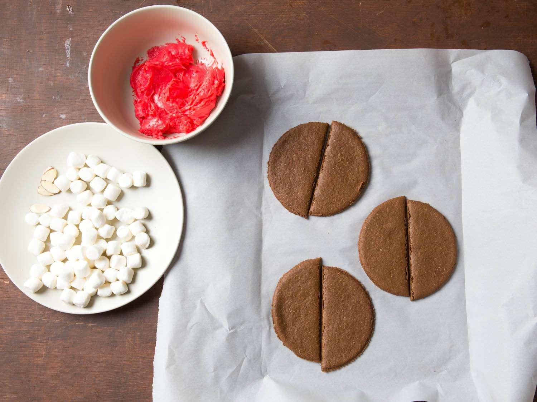 20141022-dracula-cookies-vicky-wasik-1.jpg