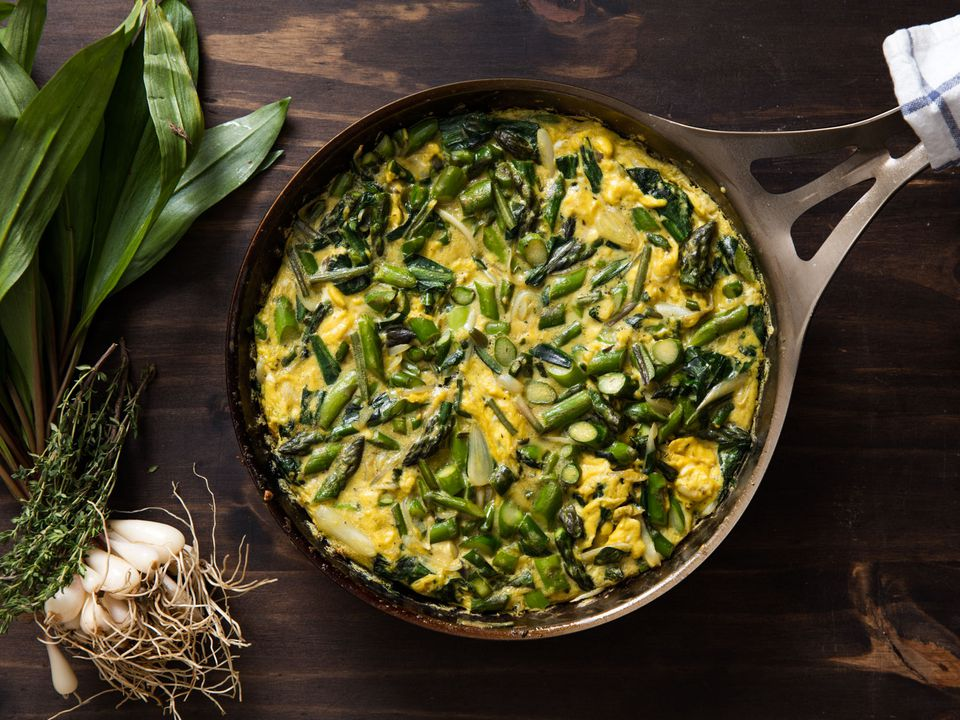 20160505-frittata-ramps-asparagus-fennel-vicky-wasik--9.jpg