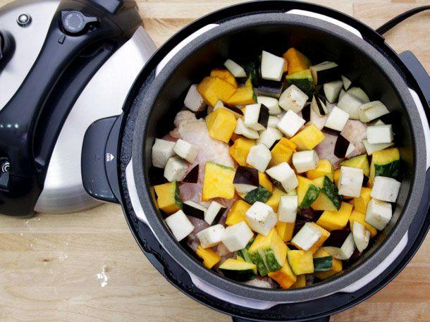 20140402-pressure-cooker-thai-chicken-squash-eggplant-spinach-curry-04-edit.jpg