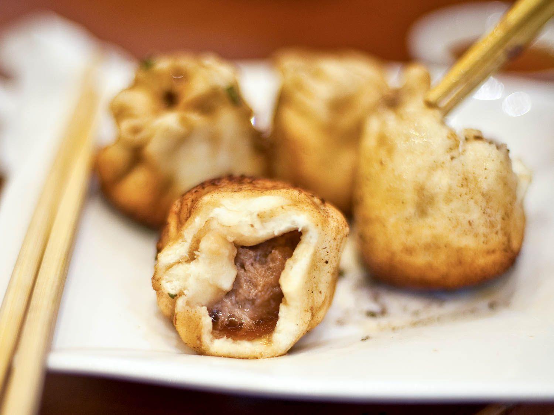 20150523-shanghai-streetfood-shenjianbao-fionareilly-slide-02.jpg