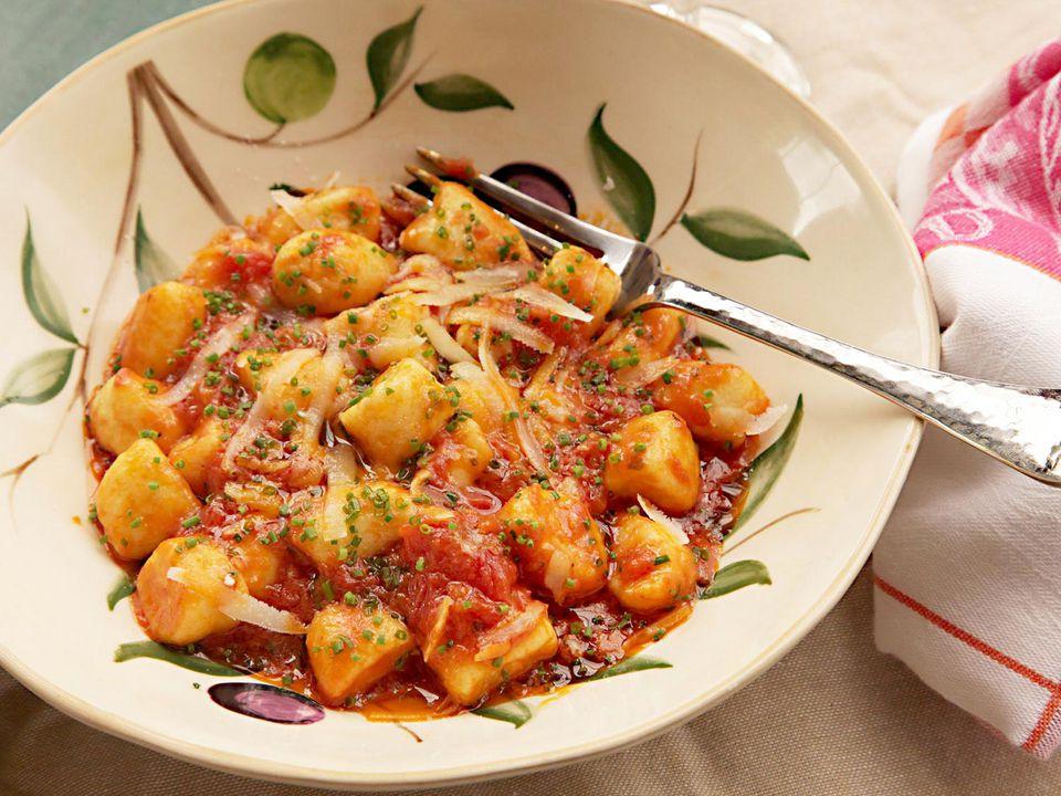 20150318-ricotta-gnocchi-how-to-food-lab-recipe-37a.jpg