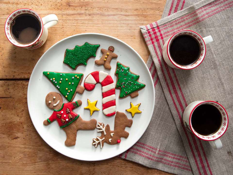 20181126-gingerbread-cookies-vicky-wasik-50