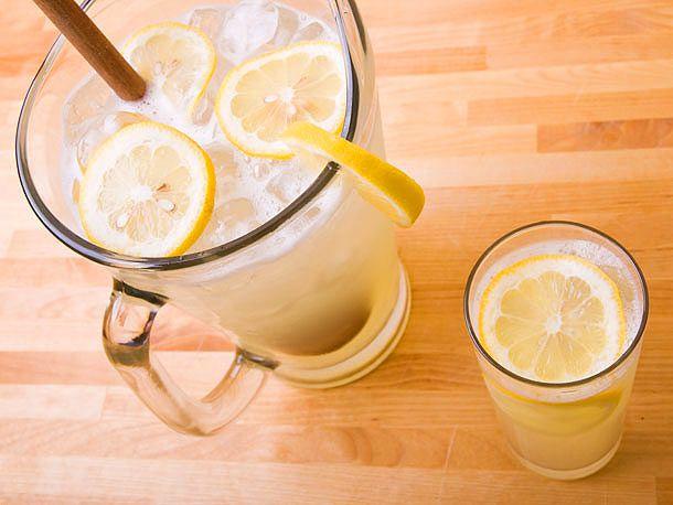 20120618-lemonade-variations-01.jpg