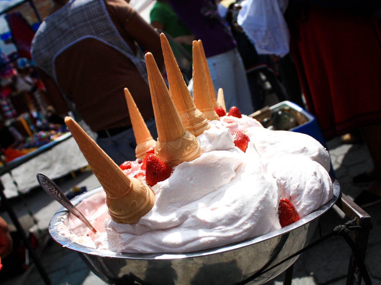 south-american-sweets-ecuador-espumillas-flickr.jpg