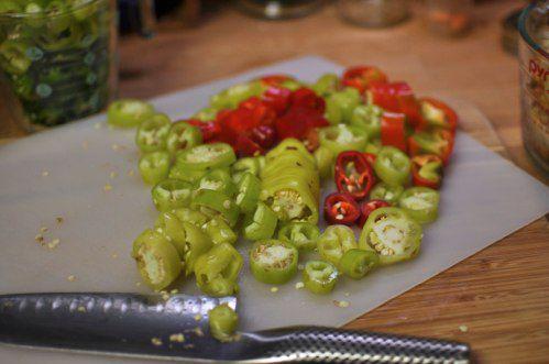 20111021-176169-sliced-peppers.jpg
